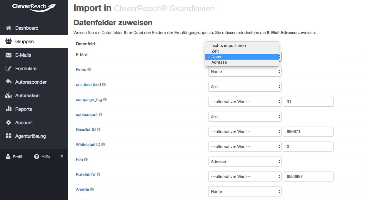 Screenshot: • Nun wird Ihnen die Datenfeldzuweisung angezeigt. Hier legen Sie fest, wie die Daten Ihrer Importdatei mit den bestehenden Feldern in Ihrer CleverReach®-Empfängerliste verknüpft werden.